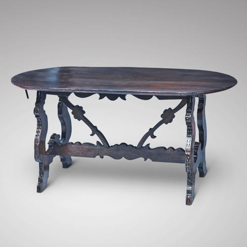 A 17TH CENTURY ITALIAN WALNUT TABLE