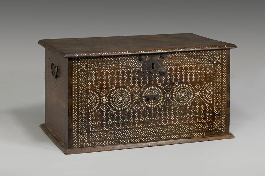 A 17TH CENTURY CASKET