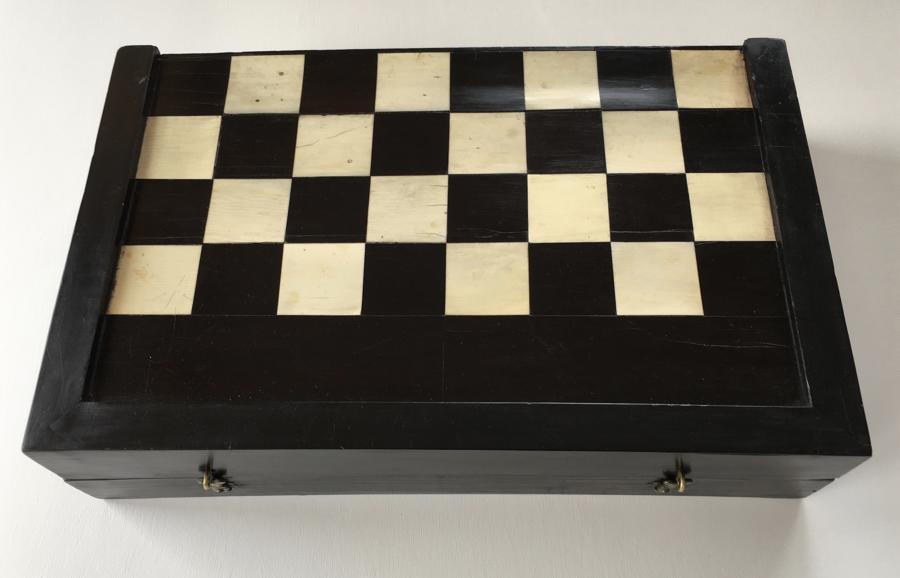 A C.17TH/C.18TH EBONY & IVORY GAMES BOX