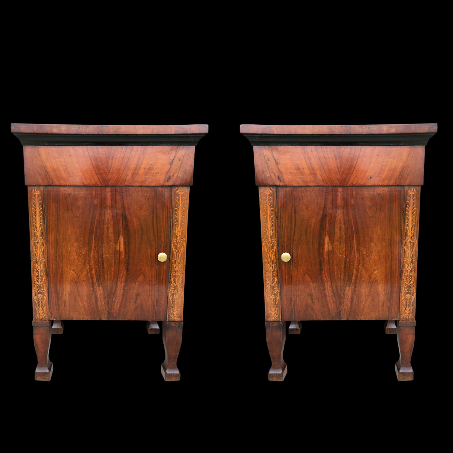 A PAIR OF ITALIAN WALNUT COMMODINI C.1825