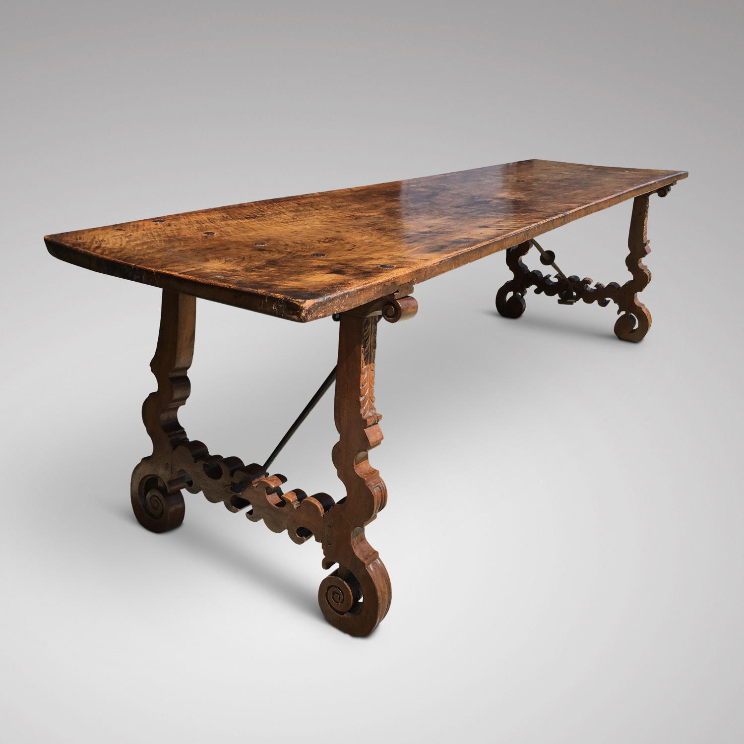 A 17TH CENTURY SPANISH TABLE