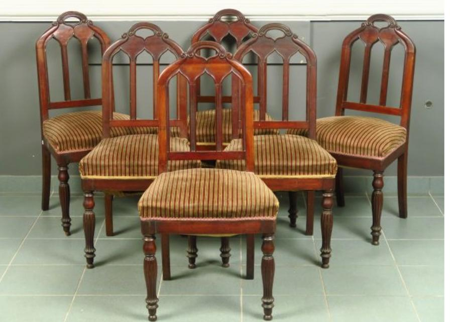 A SET OF 6 GOTHIC DINING CHAIRS