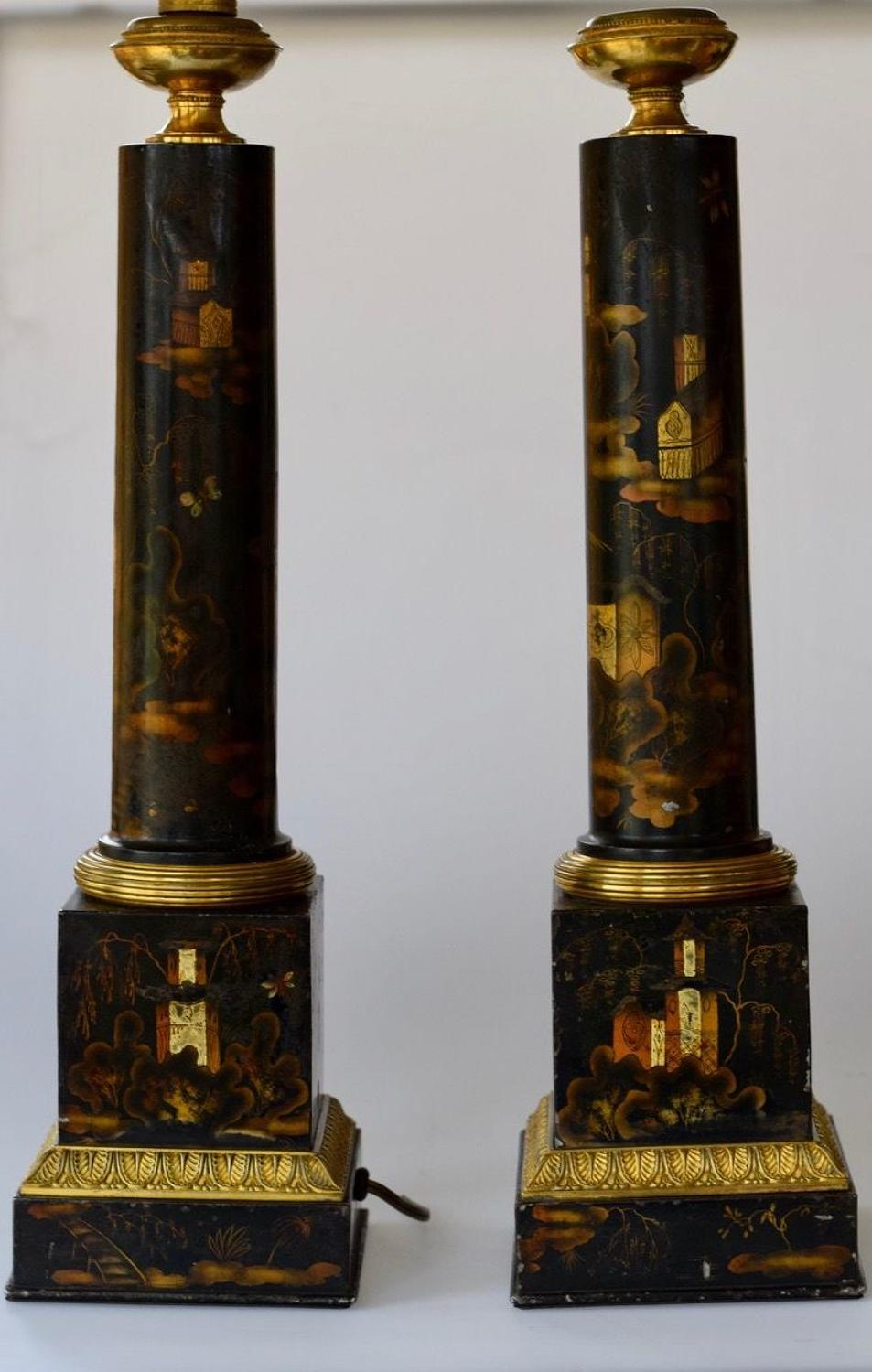 A PAIR OF CHINOISERIE DECORATED TOLE LAMPS