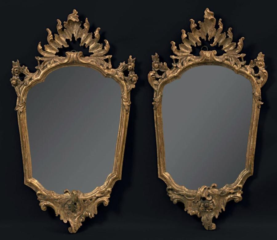 A PAIR OF 18TH CENTURY ITALIAN MIRRORS
