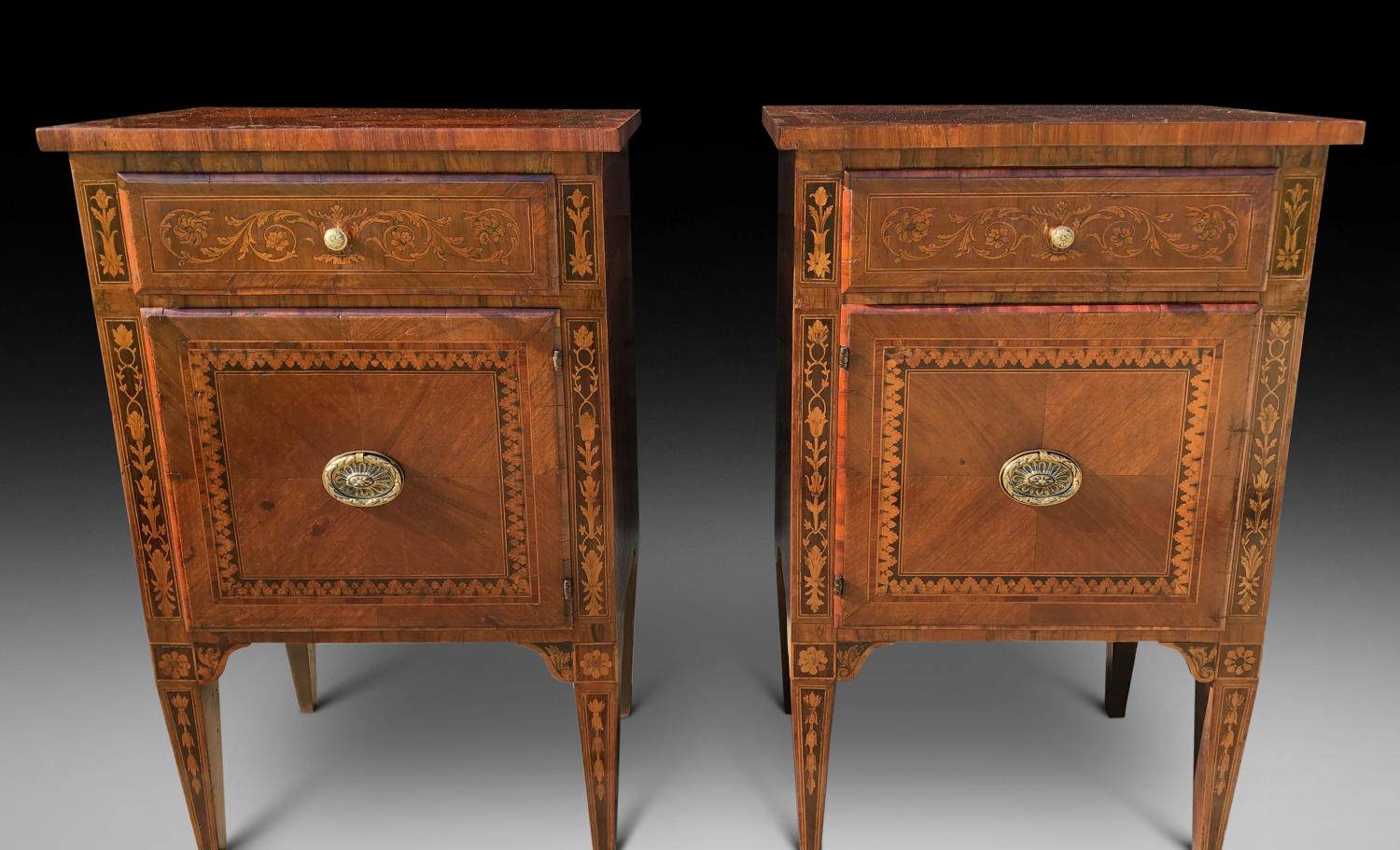 A PAIR OF MARQUETRY COMMODINI
