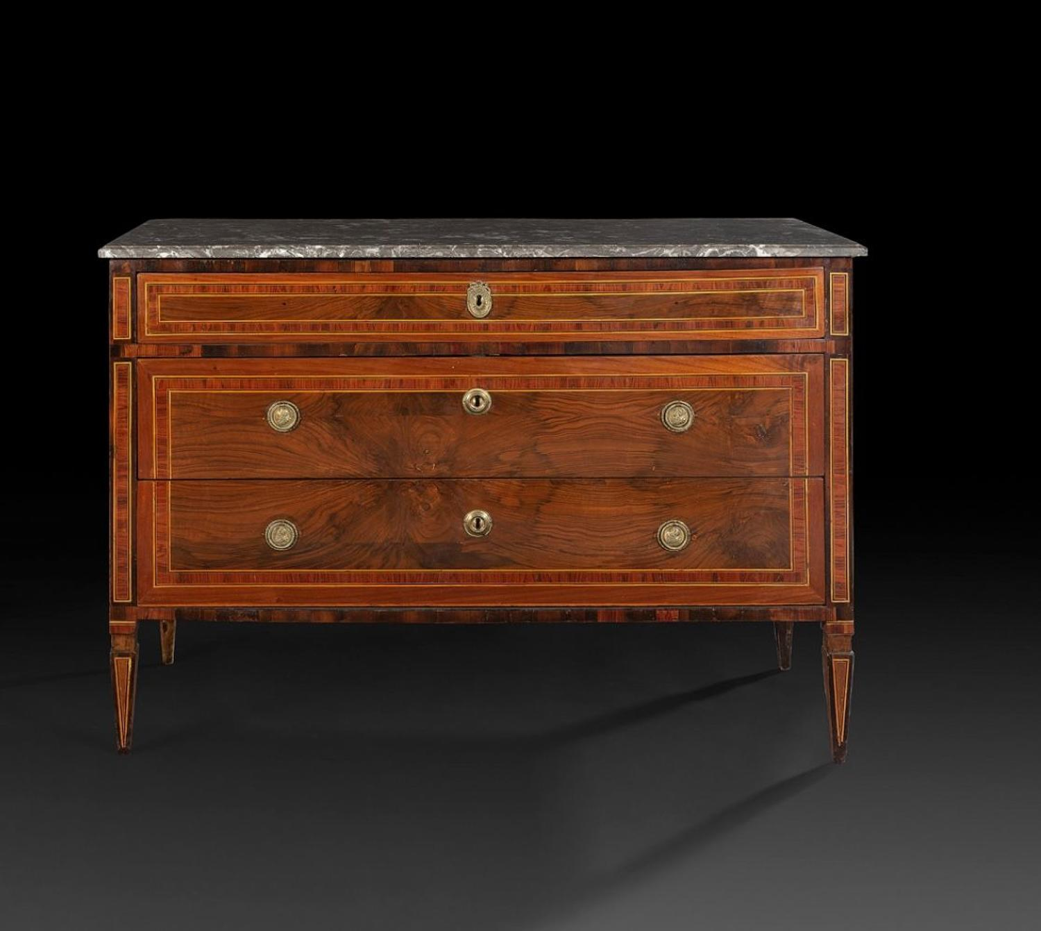 AN 18TH CENTURY  ITALIAN PARQUETRY COMMODE