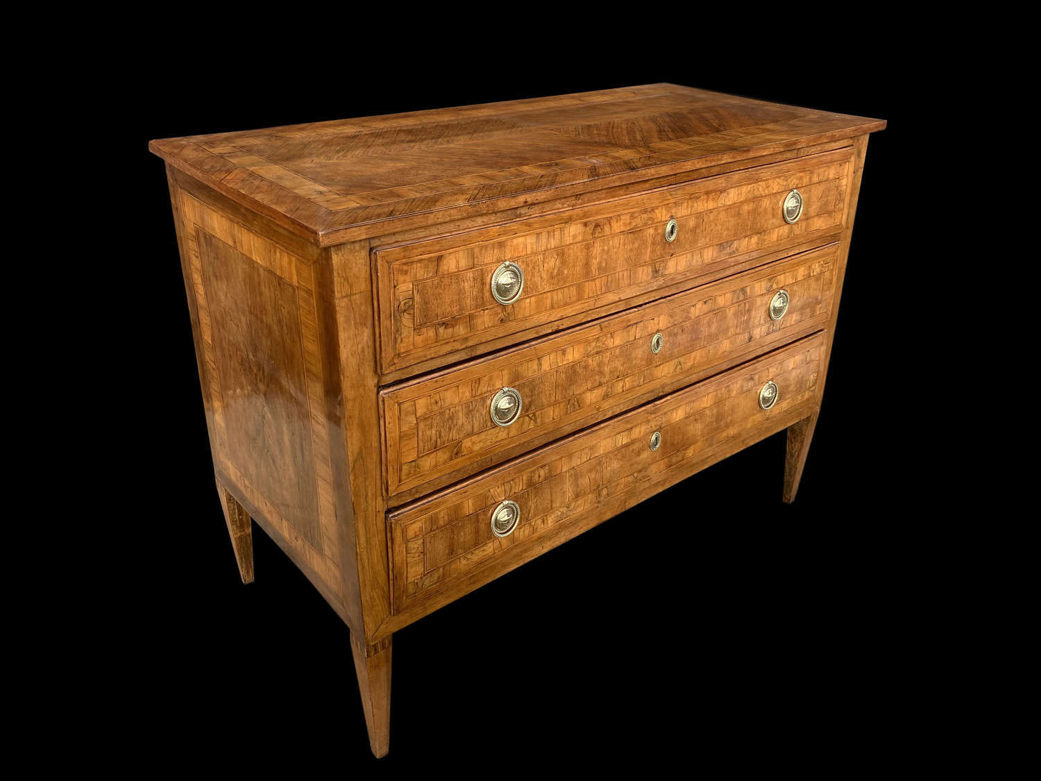 A GOOD 18TH CENTURY ITALIAN  PARQUETRY COMMODE