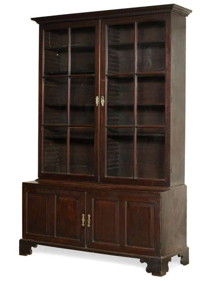 A GEORGE 11 MAHOGANY LIBRARY BOOKCASE