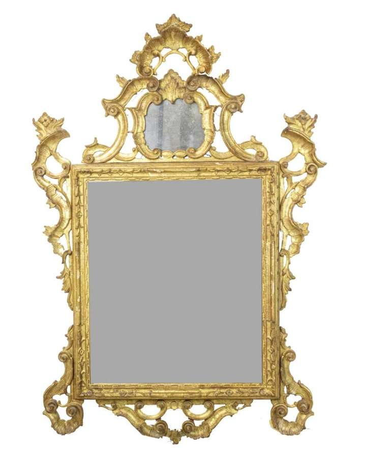 AN 18TH CENTURY VENETIAN MIRROR