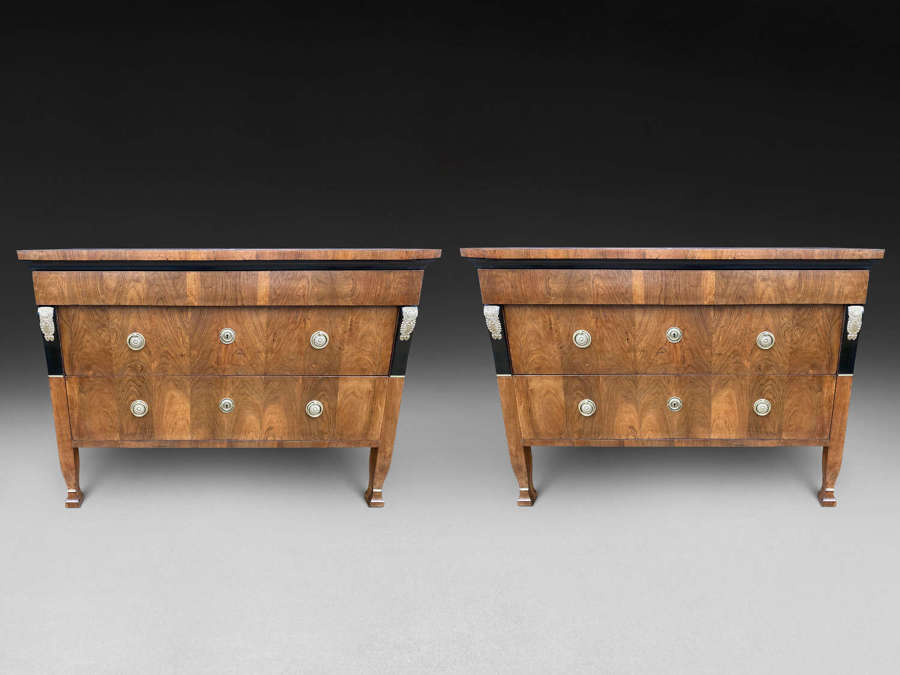 A PAIR OF WALNUT COMMODES ITALY C.1825