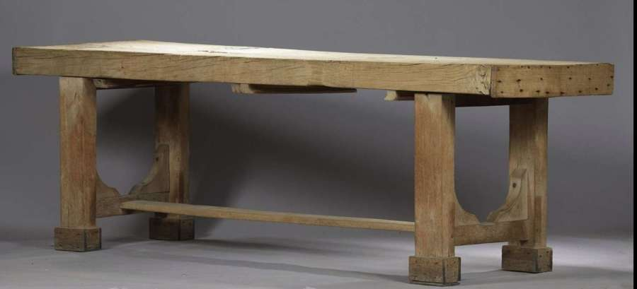 A RARE EARLY 19TH CENTURY COUNTRY HOUSE KITCHEN TABLE